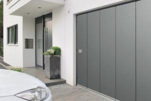 Porte de garage sectionnelles latérale Hormann :